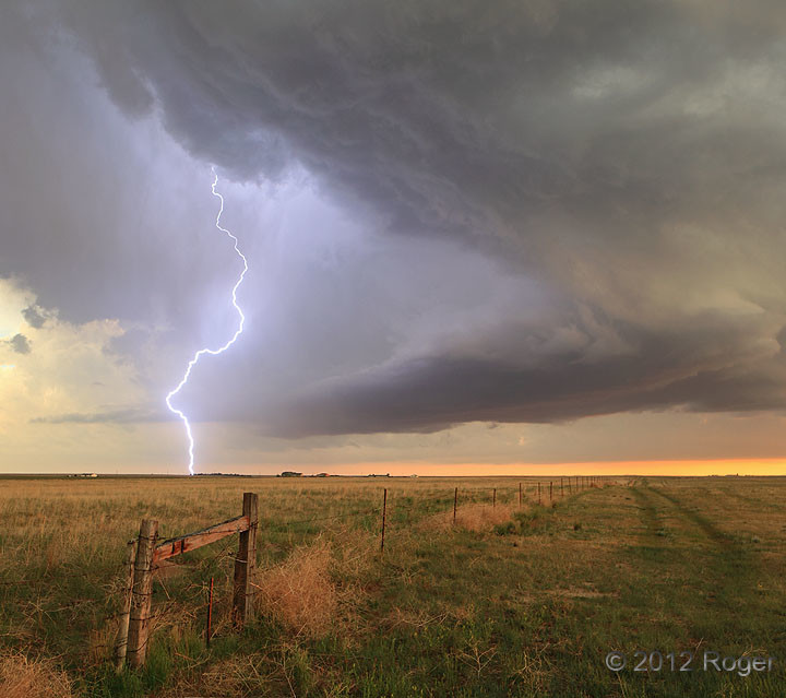 Lightning on Cheyenne Ridge