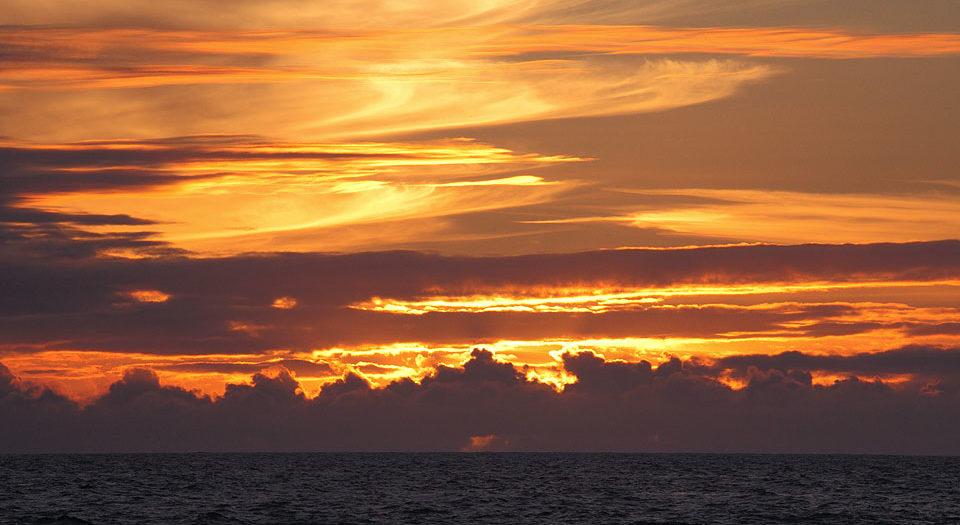 Puuhonua o Honaunau Sunset:  Deep Zoom